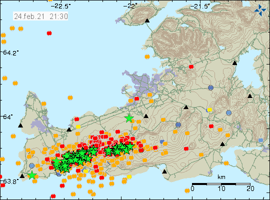 Heavy earthquake activity on the Reykjanes peninsula from west to east. Over 50 green stars on the map tha show earthquakes with magnitude above Mw3,0