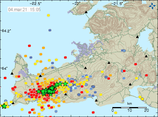 Dense earthquake activity in Reykjanes volcano, Fagradalsfjall volcano and Krýsuvík volcano. A lot of red dots showing new earthquakes and green stars showing earthquakes with magnitude above Mw3,0 on Reykjanes peninsula
