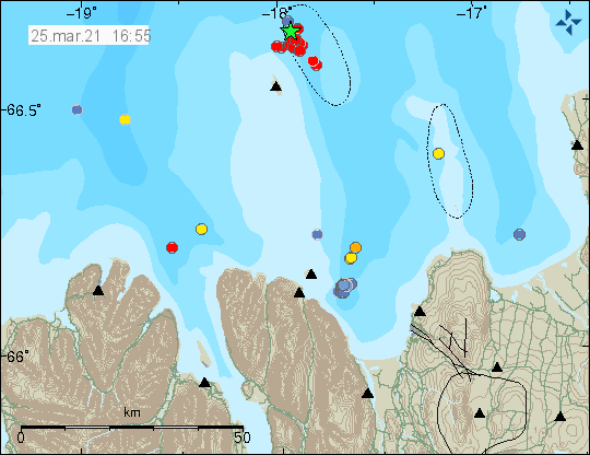 earthquake activity east of Grímsey island. Green star shows one earthquake with magnitude 3. Few red dots show smaller earthquakes