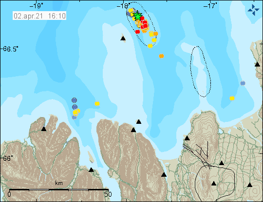 earthquake activity east of Grímsey island. Two green starts on top of each other show the location of the earthquakes with magnitude above 3. Large amounts of red dots shows the location of smaller earthquakes that form a direct line few km long.