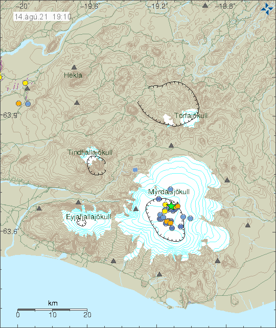Green star in the Katla volcano caldera along with dots showing smaller earthquakes that are spread in the caldera. Showing location of smaller earthquakes that have happened in last few days.